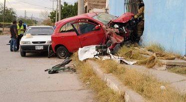 Muere ciclista embestido por auto