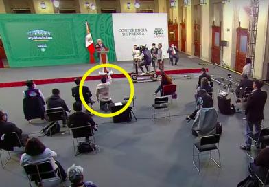 QUÍTATE, LORD MOLÉCULA: REPORTERO PIDE DE RODILLAS ATENCIÓN DE AMLO