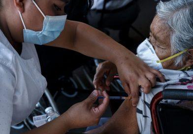 Vacunación de maestros: reportan fallas en el sitio para el registro