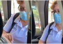 Enfermera de Monterrey bendice a sus pacientes antes de vacunarlos contra el covid