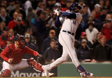 Astros apalean a Boston y están a un paso de la Serie Mundial.
